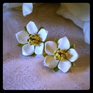 Vintage Sarah Coventry White Enamel Earrings